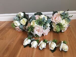 Wedding flower bouquet and boutonnieres