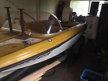 Fibre glass boat with 40hp outboard St Marys Penrith Area Preview