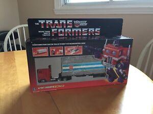 Takara Transformers Optimus Prime G1 reissue
