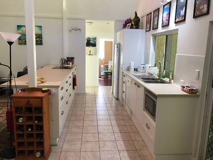 Accommodation  short term rooms to rent / backpackers welcome
