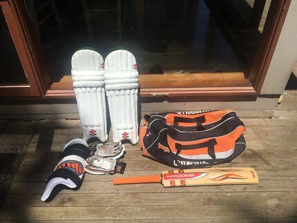 Cricket Gear in Good Condition