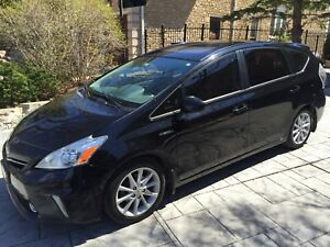 2012 Toyota Prius V full tech package