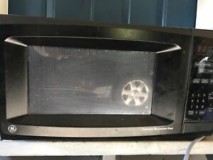 Large GE Microwave Oven $20 OBO