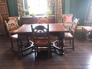 Jacobean Dinning set