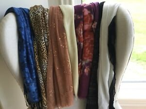 A lot of 7 scarves