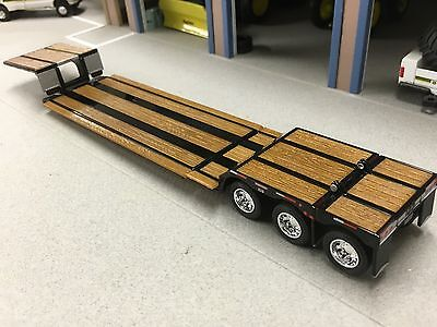 1/64 DCP BLACK  FONTAINE RENEGADE TRI AXLE STRETCH LOWBOY TRAILER