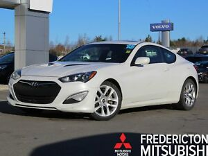 2013 Hyundai Genesis Coupe 2.0T Premium 6-SPEED | HEATED LEAT...