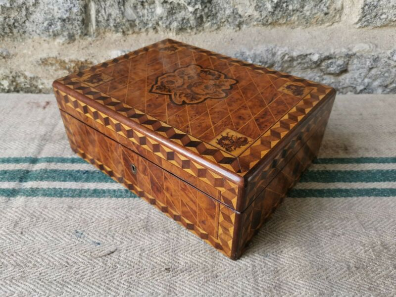 A Victorian Birds eye Maple Tunbridge Box