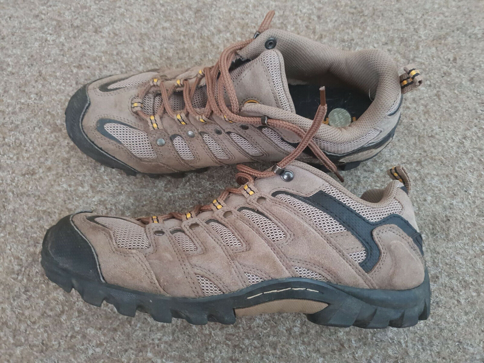 Image MENS BOOTS 9.5 CASUAL  SHOES TREK TRAINERS NEVADOS BROWN