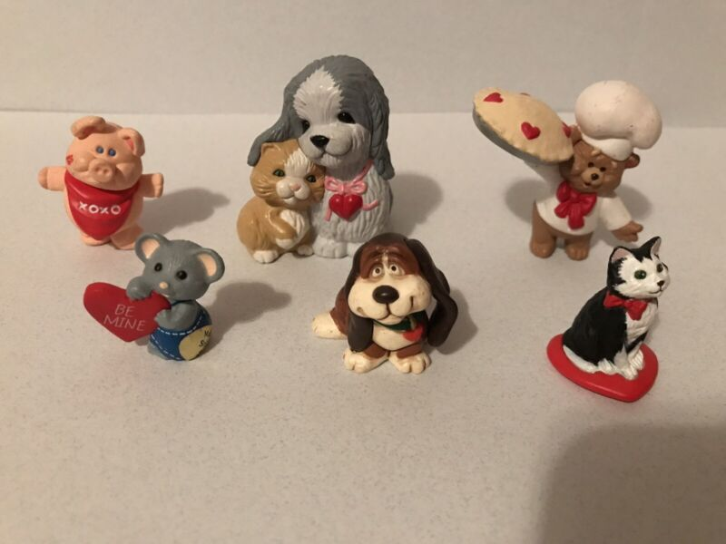 Hallmark Merry Miniatures Valentines Day Lot Of 6