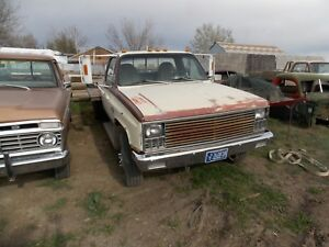 81 Chevy 1 ton 4x4 dually . Has  flatbed and 396 BB out of a 69 chevelle