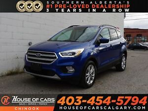 2017 Ford Escape SE w/ Backup Camera, Moon Roof, Bluetooth