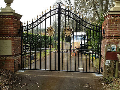 WROUGHT IRON GATES RAILINGS BALCONIES FROM ENGLISH FAMILY BUSINESS TOP QUALITY