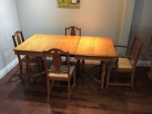 Vintage solid oak dining table and chairs
