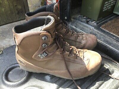 AKU BROWN Pilgrim  Goretex brown BOOTS - Size: 9 L British Army