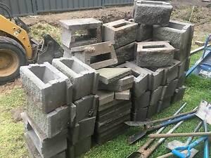 tasman retaining wall blocks and caps Warners Bay Lake Macquarie Area Preview