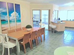 Holiday House Gold Coast Sleep 19 2min Theme Parks Ducted Aircon Upper Coomera Gold Coast North Preview