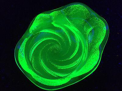 green Vaseline glass divided relish tray dish uranium ashtray coaster yellow art Green Relish Dish