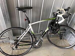 Giant road bike. Defy 11. Romsey Macedon Ranges Preview
