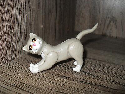 Figura gato de muñeca barbie veterinaria