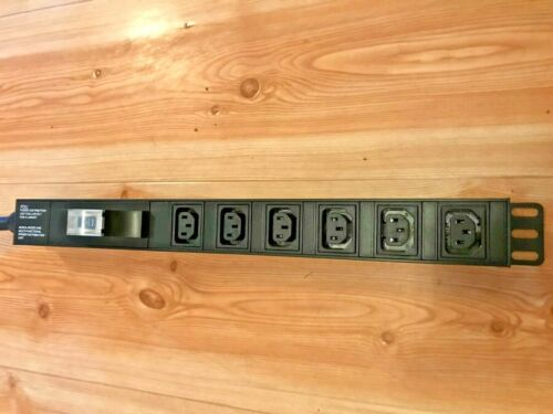 Power outlet strip with circuit breaker 30A PDU