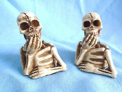 2 Mini Halloween Skeletons Mini Skulls Bones Decor Figurines Spooky Scary ](Halloween Spooky Scary Skeletons)