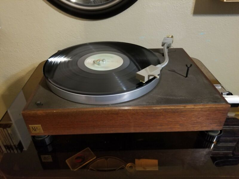Vintage Acoustic Research AR XA Belt Drive Turntable - Used