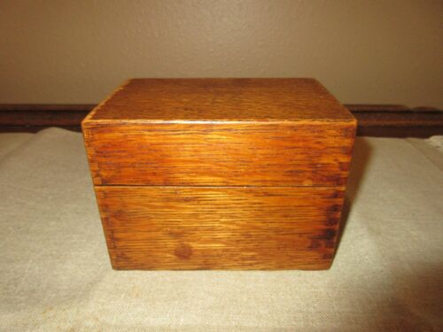 VINTAGE WOOD RECIPE BOX FULL OF RECIPES