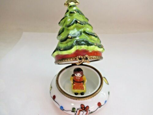 PEINT MAIN LIMOGES TRINKET-CHRISTMAS TREE WITH GOLD STAR AND DOLL INSIDE