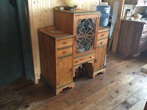 Meuble antique a vendre $275.00