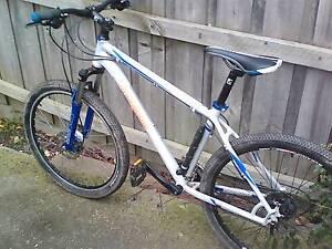 mongoose tyax 27.5 comp bike 2016 Heathmont Maroondah Area Preview