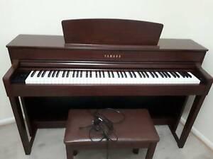 Digital Yamaha Piano