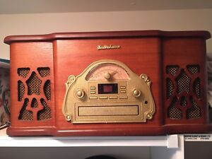 ElectroHome Record Player CD Player and Radio