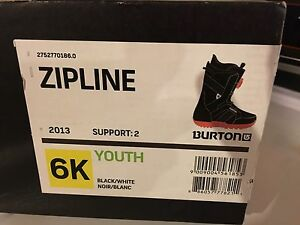 Youth boys size 6 snowboarding boots