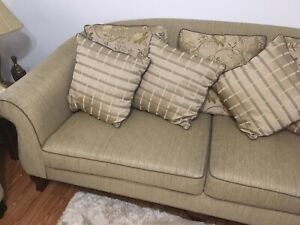 Alford couch  excellent  condition.