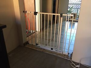 Child safety gate Earlwood Canterbury Area Preview
