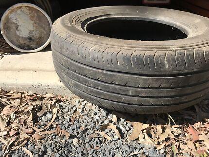 Giveaway tyres x 3