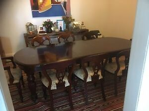 Vintage style dining table. 8 seater. Petersham Marrickville Area Preview