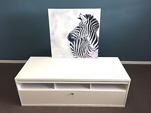 White IKEA tv/entertainment unit  REDUCED PRICE Baldivis Rockingham Area Preview