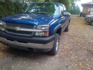 2004 Chevrolet 2500HD with or without 1984 Lance Camper