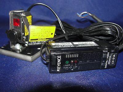 Keyence Digital Laser Sensor Lv-21a With Keyence Lv-h32 Laser Sensor Head