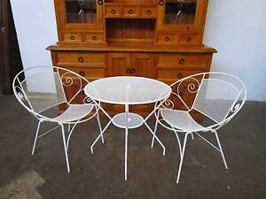 C43040 RETRO 3pc White Wire Metal Outdoor Setting Saucer Chairs Unley Unley Area Preview