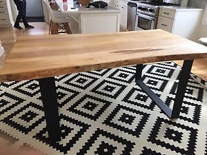 Live edge dinning table
