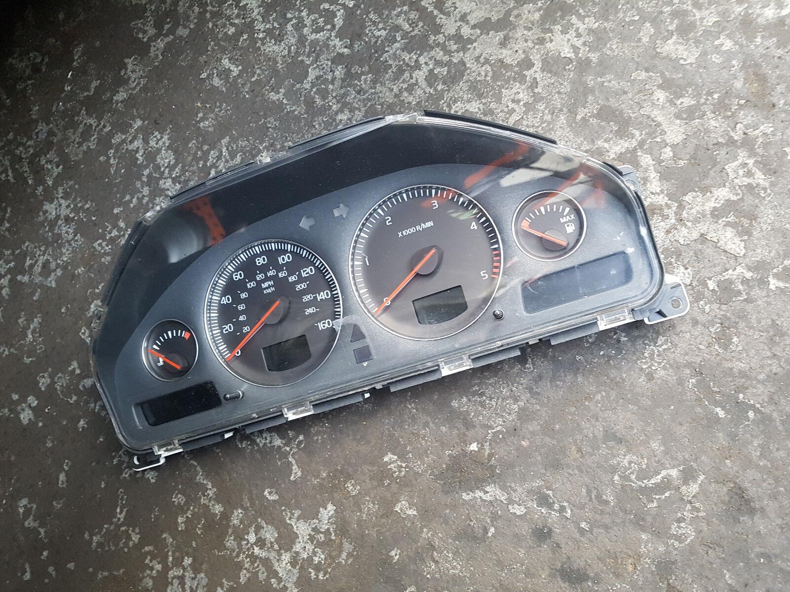 VOLVO S60/V70 XC90 70 2005 D5 2.4 PARTS - 30682287 CLOCKS/SPEEDO/INSTRUMENTS