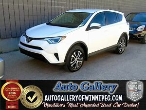 2016 Toyota RAV4 LE AWD *Bluetooth