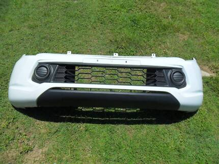 Genuine Mitsubishi MQ Triton 04/2015-On Front Bumper Off New Car