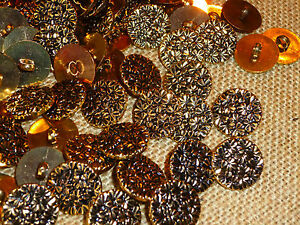30 x Pretty Gold Metal Look Small Flower Design 18mm Shank Back Buttons ( MB37 )