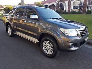 2014 Toyota Hilux SR5 4X4 Dual Cab 5 Speed Manual *LOW KMS* Barrack Heights Shellharbour Area Preview