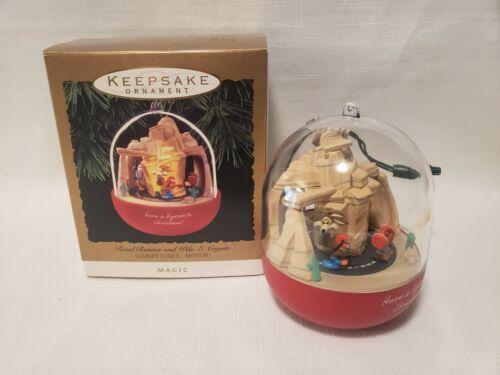 Hallmark 1993 Road Runner & Wile E. Coyote Magic Motion Ornament Works