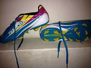 Diadora Girls Soccer Cleats